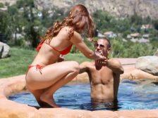 Follando a la guapa Karlie Montana en la piscina