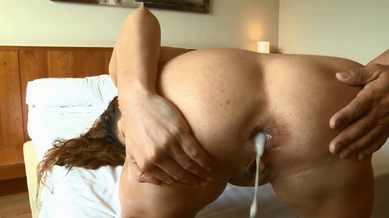 leche dentro del culo
